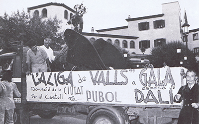 Gala Dalí, Valls and a Madeleine from Kazan